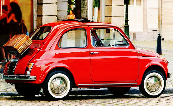 Fiat Nuova 500 Oldtimer Erlebnis Landschaft