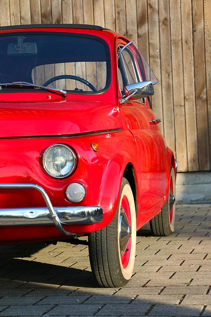 Fiat Nuova 500 Oldtimer im Profil