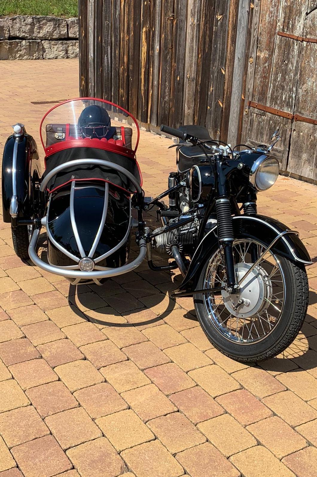 Oldtimer Erlebnis BMW R 67 / 2 Motorrad Gespann