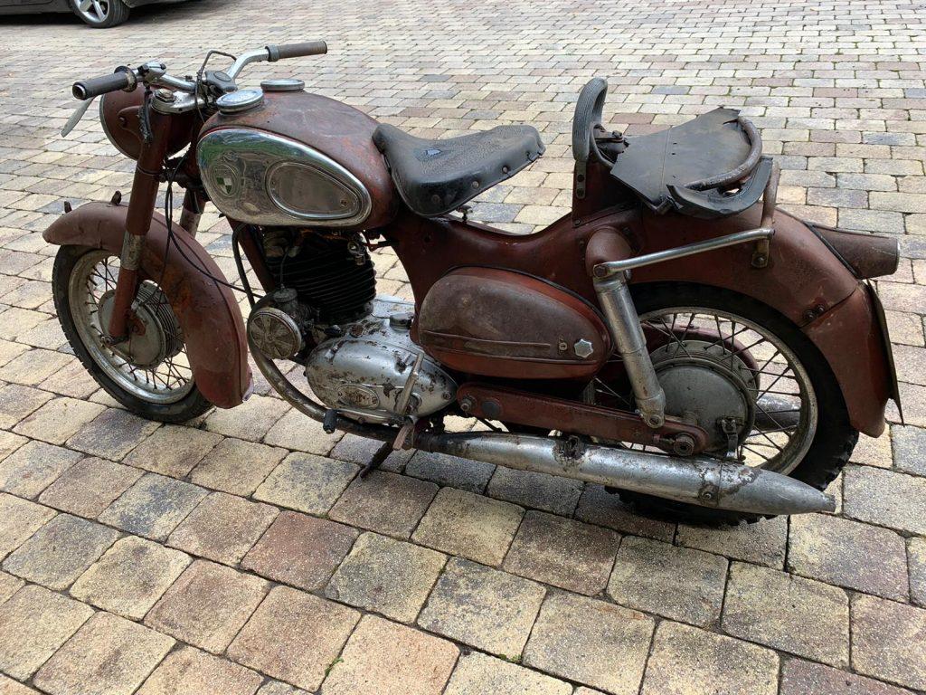 Puch-250-SGS-Baujahr-1954-Oldtimer-Erlebnis-2