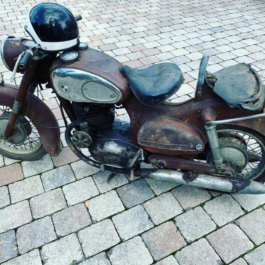 Puch-250-SGS-Baujahr-1954-Oldtimer-Erlebnis-9